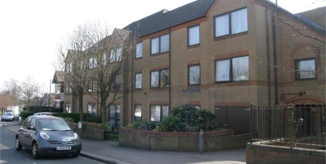 Asking Price £159,950, 1 Bedroom Flat For Sale in London, N12