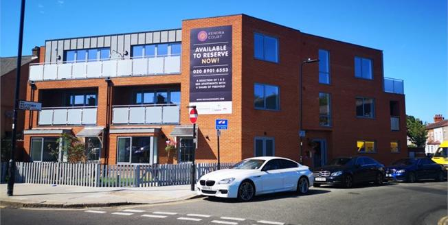 £320,000, 1 Bedroom Flat For Sale in Southall, UB2