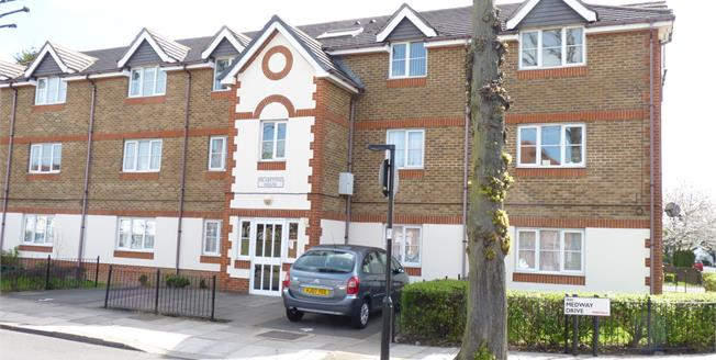Asking Price £330,000, 2 Bedroom Flat For Sale in Perivale, UB6