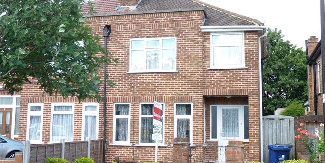 Asking Price £525,000, 3 Bedroom Semi Detached House For Sale in Perivale, UB6