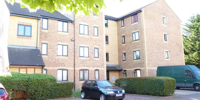 Asking Price £200,000, 1 Bedroom Flat For Sale in Southall, UB2