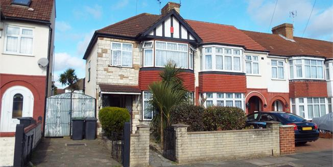 Offers in the region of £550,000, 3 Bedroom End of Terrace House For Sale in London, N13