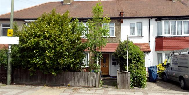 Offers in excess of £375,000, 2 Bedroom Maisonette For Sale in London, N20