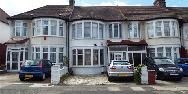 Offers Over £550,000, 3 Bedroom Terraced House For Sale in London, N13