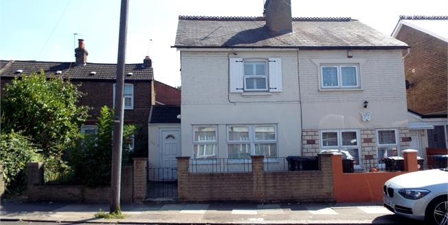 Offers in the region of £475,000, 2 Bedroom Semi Detached Cottage For Sale in London, N13