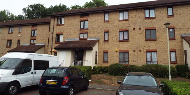 Offers in excess of £245,000, 2 Bedroom Flat For Sale in Waltham Cross, EN8