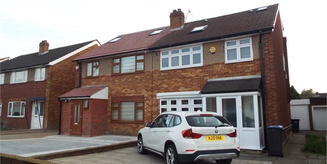 Asking Price £475,000, 4 Bedroom Semi Detached House For Sale in Waltham Cross, EN8