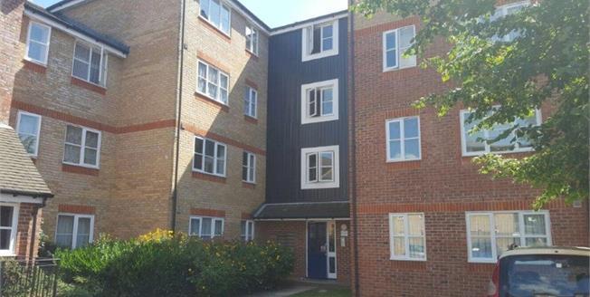Offers in the region of £265,000, 2 Bedroom Flat For Sale in Enfield, EN3