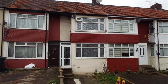 Asking Price £340,000, 2 Bedroom Terraced House For Sale in Waltham Cross, EN8