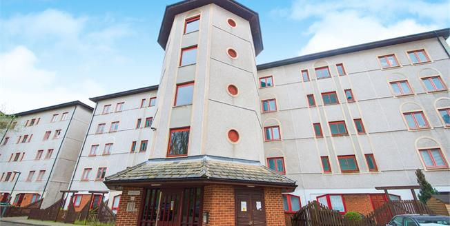 Asking Price £185,000, 1 Bedroom Flat For Sale in Waltham Cross, EN8