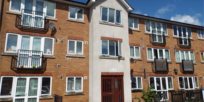 Asking Price £200,000, 1 Bedroom Flat For Sale in Waltham Cross, EN8