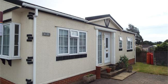 Asking Price £175,000, 2 Bedroom Mobile Home For Sale in Waltham Abbey, EN9