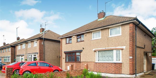 Asking Price £375,000, 3 Bedroom Semi Detached House For Sale in Enfield, EN3