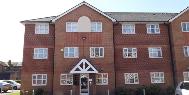 Offers Over £105,000, 2 Bedroom Flat For Sale in Manchester, M23