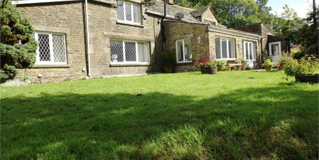 Fixed Price £500,000, 3 Bedroom Detached House For Sale in Chapel-en-le-Frith, SK23