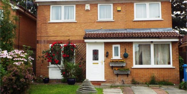 Guide Price £360,000, 4 Bedroom Detached House For Sale in Manchester, M16
