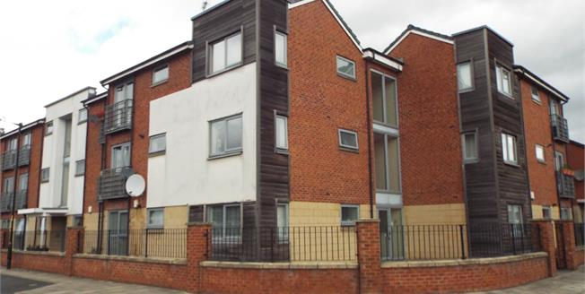 Offers Over £90,000, 1 Bedroom Flat For Sale in Manchester, M11