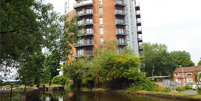 Offers Over £150,000, 2 Bedroom Flat For Sale in Manchester, M11