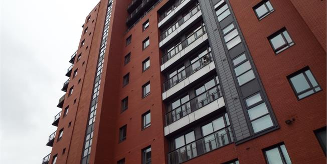 Guide Price £120,000, 1 Bedroom Flat For Sale in Manchester, M15
