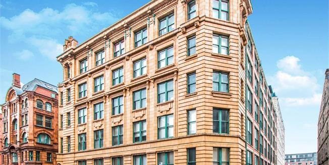 Guide Price £155,000, 1 Bedroom Flat For Sale in Dale Street, M1