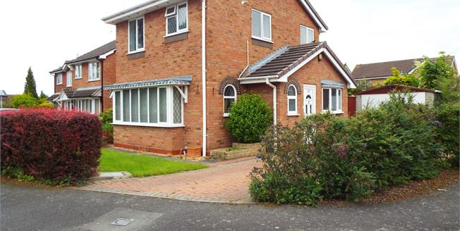 Guide Price £160,000, 3 Bedroom Detached House For Sale in Crewe, CW1