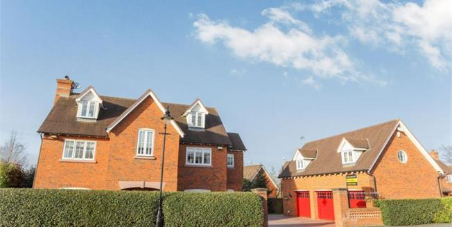 £525,000, 5 Bedroom Detached House For Sale in Weston, CW2