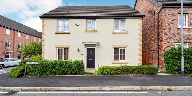 Asking Price £300,000, 4 Bedroom Detached House For Sale in Hyde, SK14