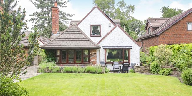 Guide Price £500,000, 4 Bedroom Detached House For Sale in Congleton, CW12