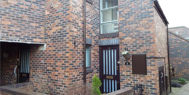 Guide Price £100,000, 1 Bedroom Flat For Sale in Nantwich, CW5