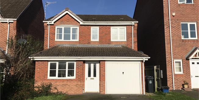 Asking Price £205,000, 3 Bedroom Detached House For Sale in Newcastle, ST5