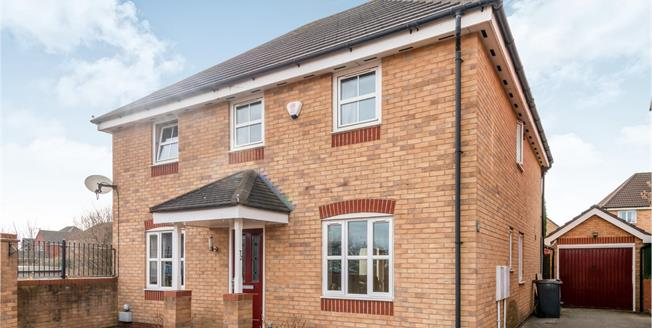 Guide Price £270,000, 4 Bedroom Detached House For Sale in Chesterton, ST5