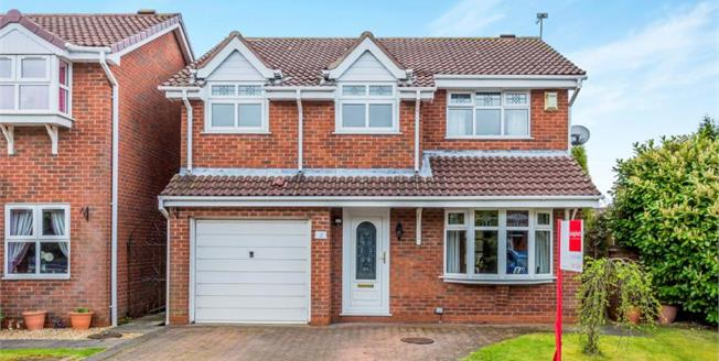 £240,000, 4 Bedroom Detached House For Sale in Newcastle, ST5