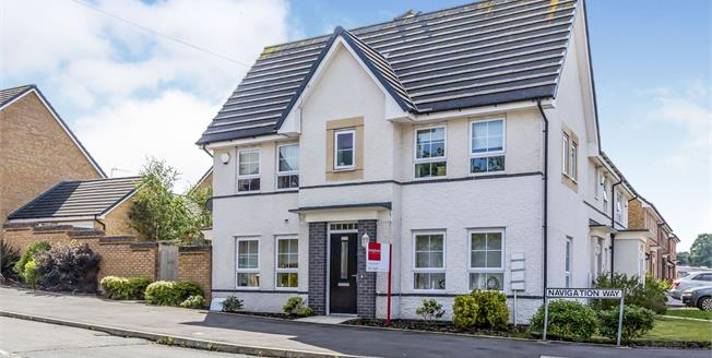 Guide Price £175,000, 3 Bedroom Semi Detached House For Sale in Newcastle, ST5