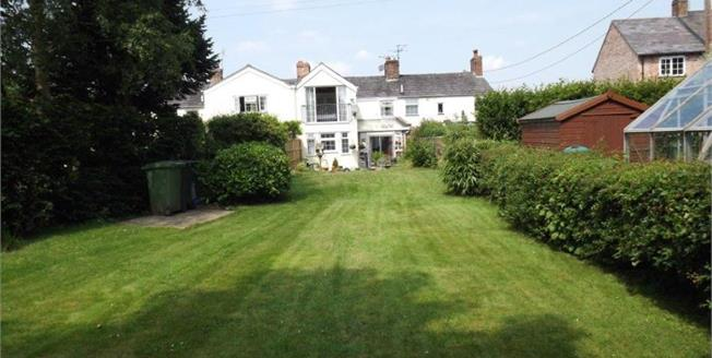 Guide Price £275,000, 4 Bedroom Terraced Cottage For Sale in Crowton, CW8