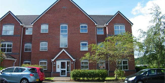 Guide Price £120,000, 2 Bedroom Flat For Sale in Cheshire, CW9