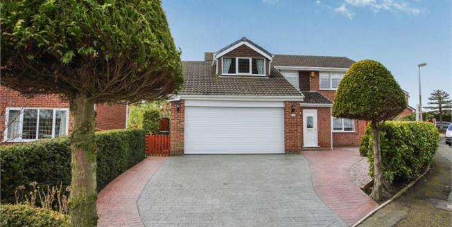 Offers Over £400,000, 4 Bedroom Detached House For Sale in Kingsley, WA6