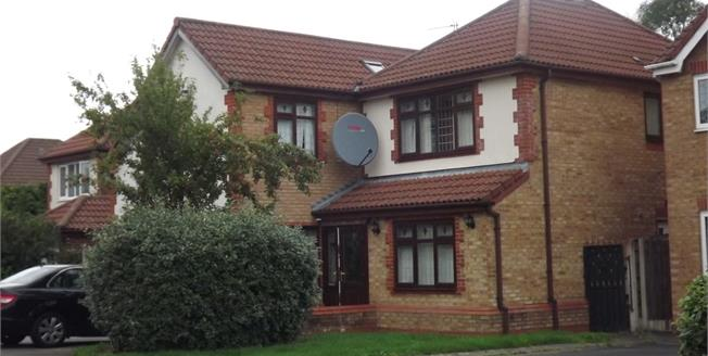 Guide Price £475,000, 6 Bedroom Detached House For Sale in Sale, M33