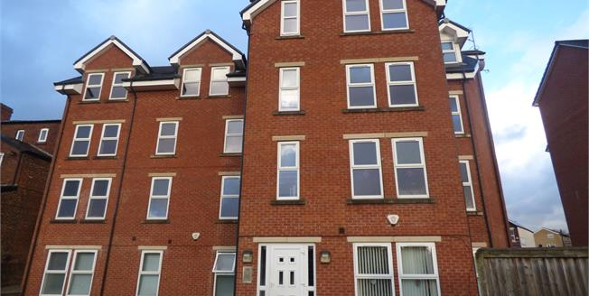 Offers Over £125,000, 2 Bedroom Flat For Sale in Stockport, SK4
