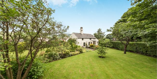 Offers in the region of £300,000, 3 Bedroom Detached Cottage For Sale in Mottram, SK14