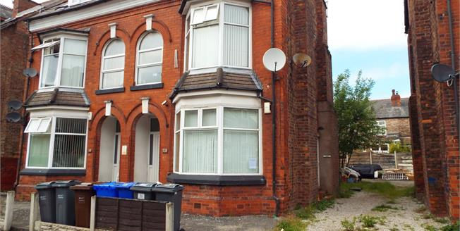 £60,000, 1 Bedroom Flat For Sale in Manchester, M14