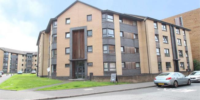 Fixed Price £92,500, 2 Bedroom Upper Floor Flat For Sale in Glasgow, G40