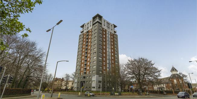 Offers Over £92,000, 2 Bedroom Flat For Sale in Liverpool, L8