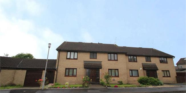 Offers Over £65,000, 1 Bedroom Upper Floor Flat For Sale in Glasgow, G53