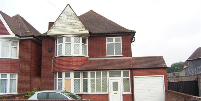 Asking Price £185,000, 3 Bedroom Detached House For Sale in Birmingham, B34