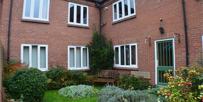 Asking Price £140,000, 1 Bedroom Ground Floor Flat For Sale in Lichfield, WS13