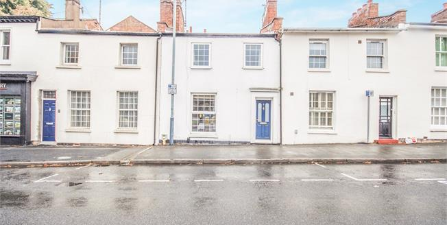Guide Price £300,000, 3 Bedroom Terraced House For Sale in Leamington Spa, CV32