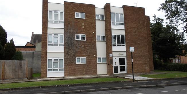 Guide Price £95,000, 1 Bedroom Flat For Sale in Leamington Spa, CV31