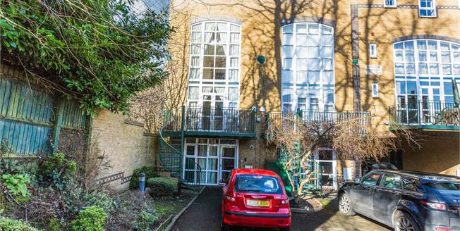 Asking Price £300,000, 3 Bedroom Terraced House For Sale in Birmingham, B13