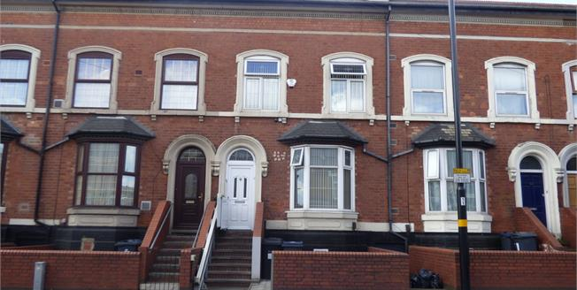 £180,000, 4 Bedroom Terraced House For Sale in Sparkhill, B11