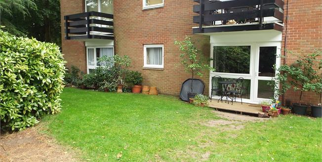 Offers Over £140,000, 2 Bedroom Flat For Sale in Birmingham, B13